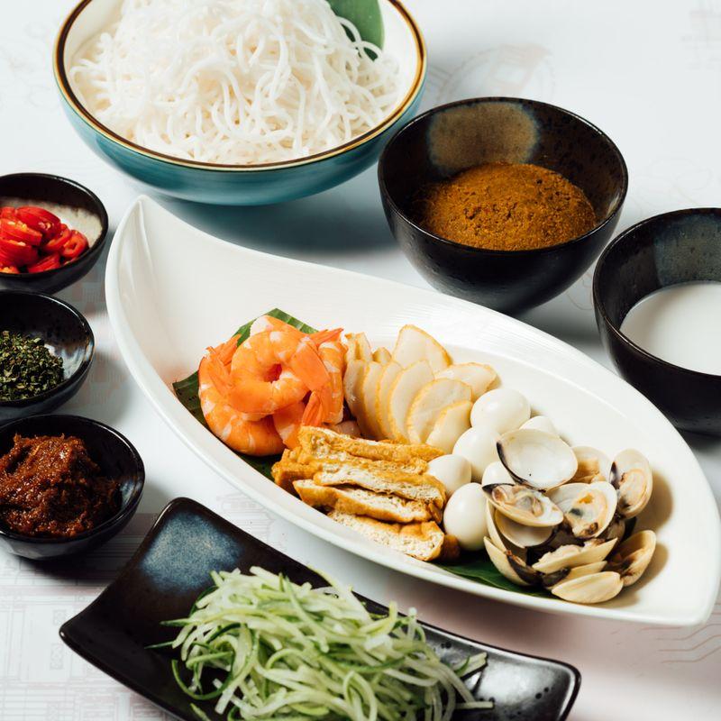 Do-It-Yourself: Seafood Laksa Goreng
